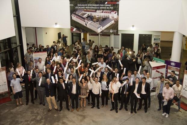 Egresados de la facultad de Informática recibieron sus diplomas