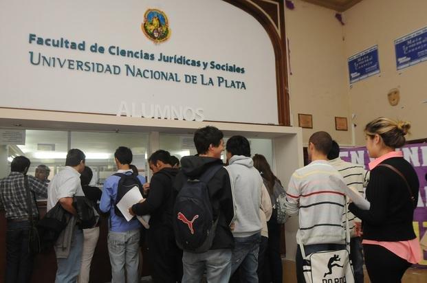 Ultimos días de inscripción a facultades de la UNLP