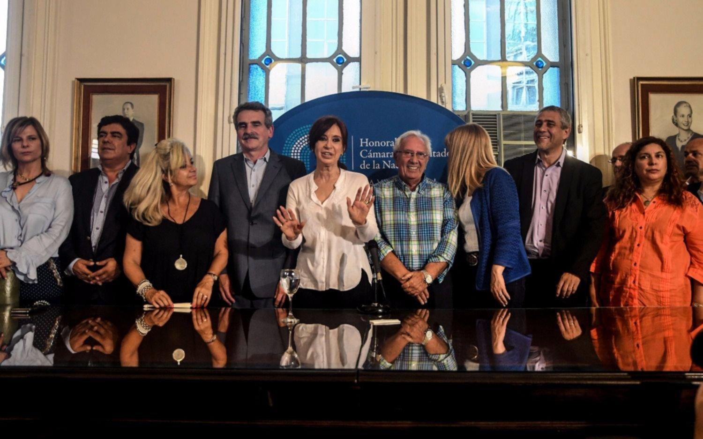 """Cristina: """"Mauricio Macri es el director de la orquesta y Bonadio ejecuta la partitura judicial"""""""