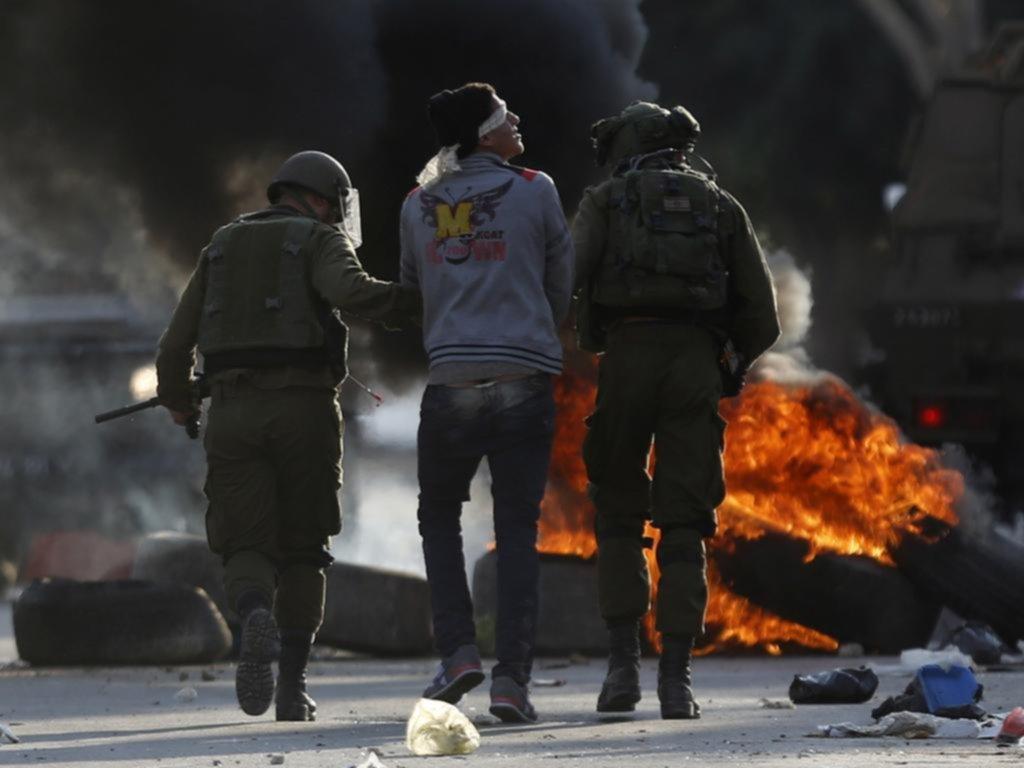 Al menos cuatro muertos y decenas de heridos en otro viernes violento por Jerusalén