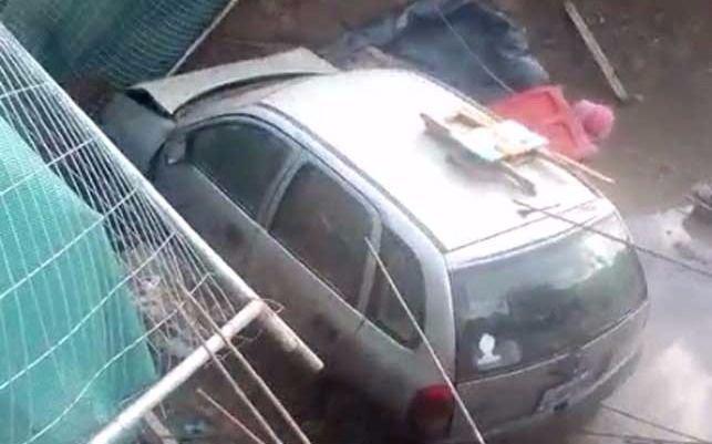 Video: Un auto se precipitó a una fosa en 44 y 143