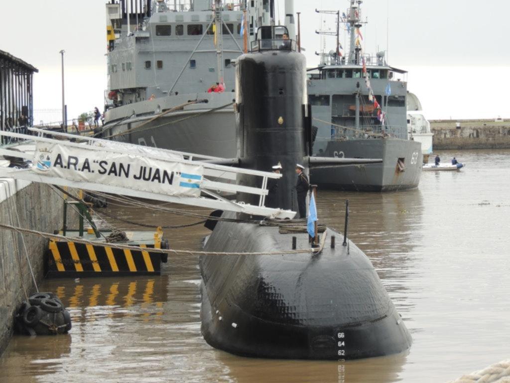 La búsqueda del submarino sigue con sólo dos buques y amenazada por el mal tiempo