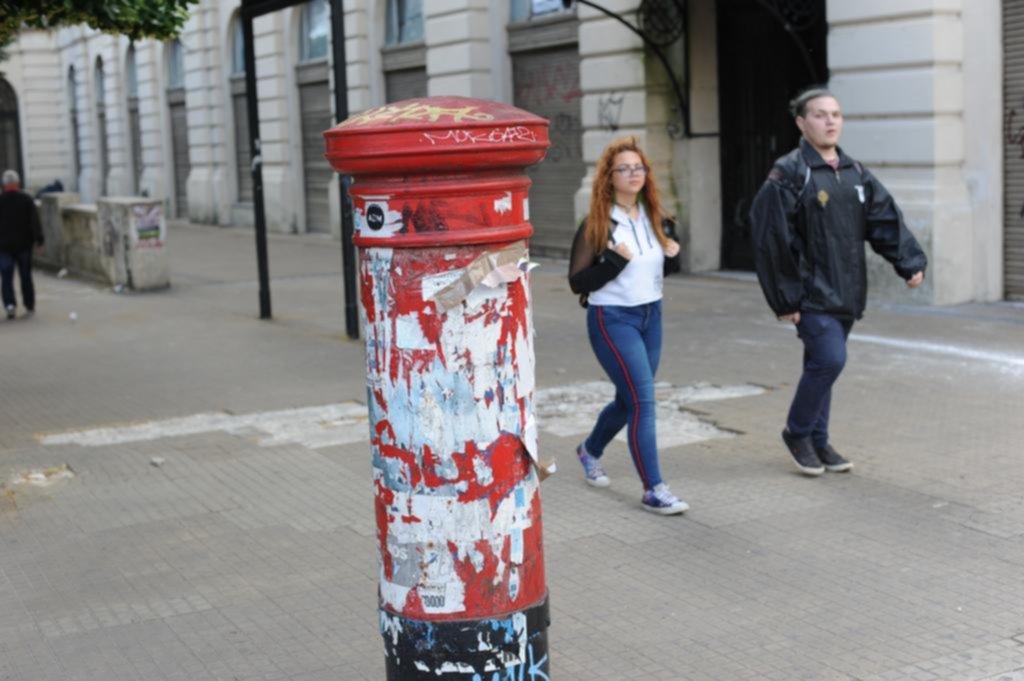 Los seis buzones que quedan en pie en La Plata ya forman parte del patrimonio cultural