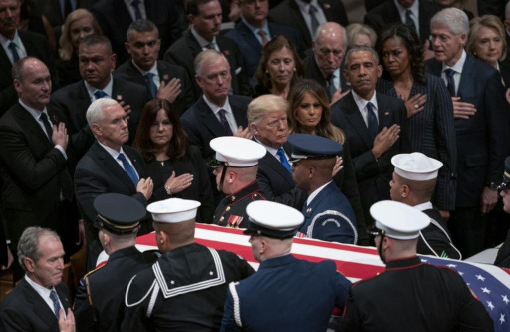 El club de los ex presidentes de EE UU reunido para el último adiós a Bush