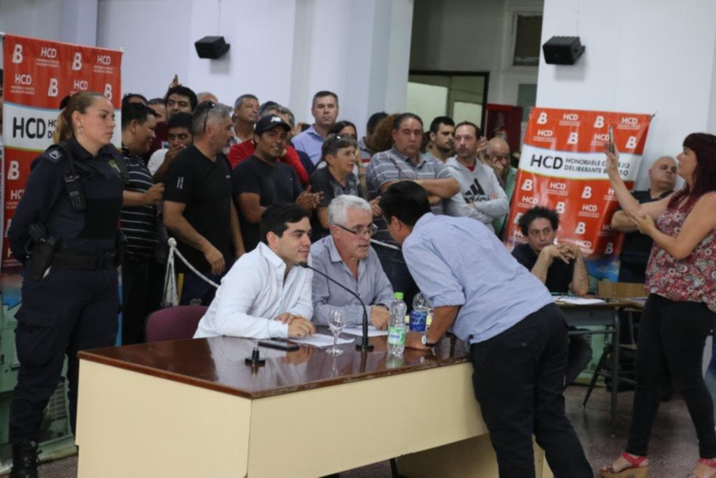 Entre insultos y una concejal agredida, se cayó la sesión en Berisso
