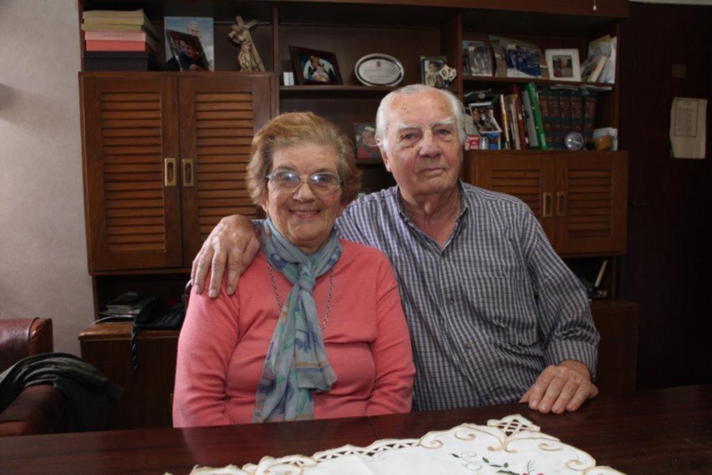"""Juan Vicente y Gloria, 60 años de un """"flechazo"""" instantáneo"""