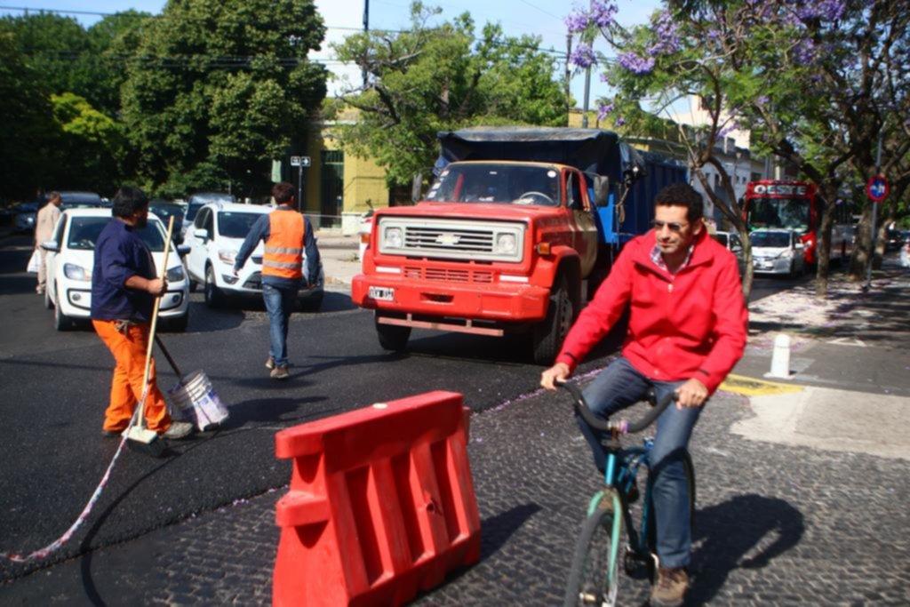 Pavimentación, desvíos y caos vial en diagonal 73 de 44 a 50