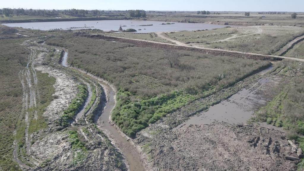 El bloqueo clandestino de un arroyo renueva la inquietud por el control de los cursos de agua