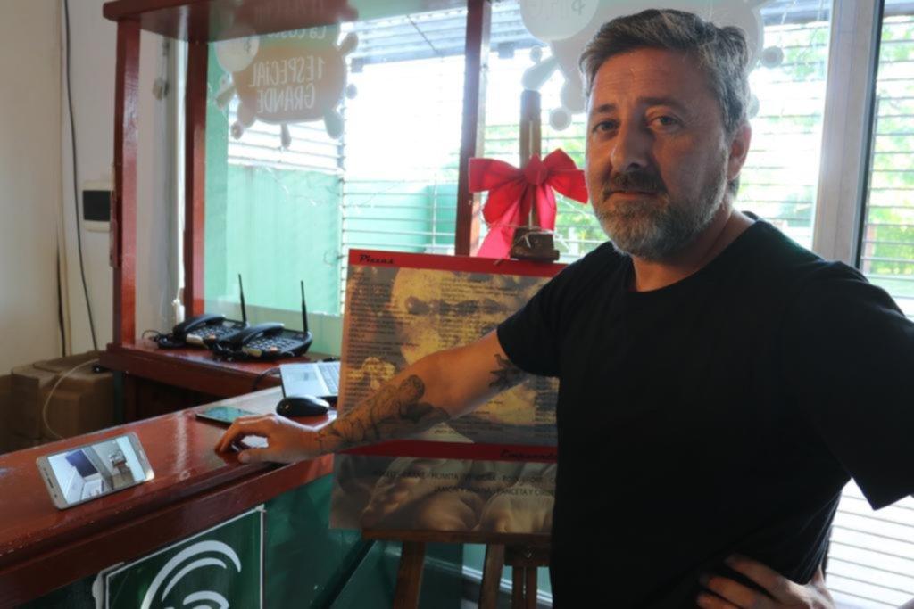 De una pizzería de Gonnet se llevaron plata, bebidas y más de un centenar de empanadas