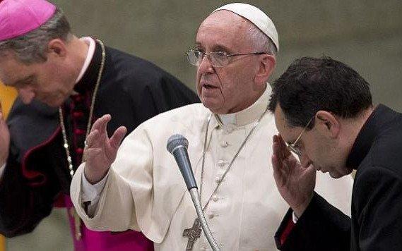"""Piden al Papa """"acciones contundentes  contra curas y obispos pedófilos"""""""