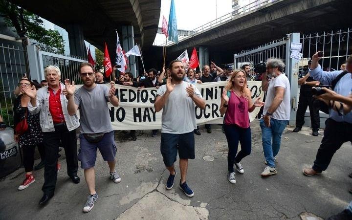 Juan Grabois lideró una protesta violenta en Canal 13