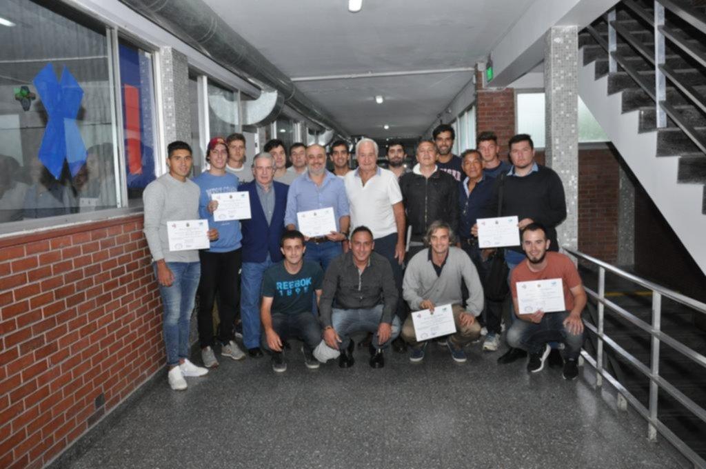 """Nueva camada de técnicos recibidos en la """"Adolfo Pedernera"""""""