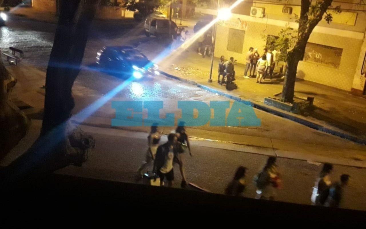 """Reyes, el funcionario apuñalado: """"Alguien tiró una botella y se desmadró la situación"""""""