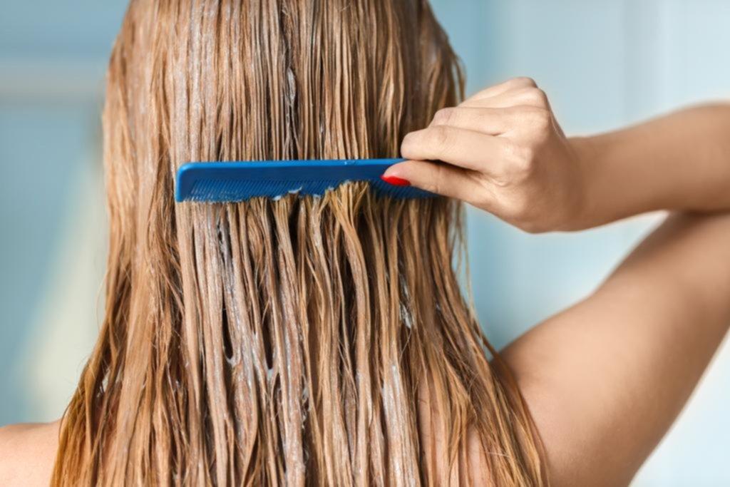 Cómo evitar que el pelo se dañe ante los rayos solares 26fb50efcd00
