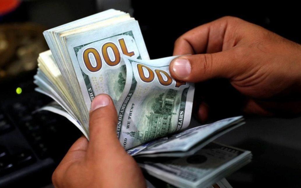El dólar cerró el año a $38,60 para la venta