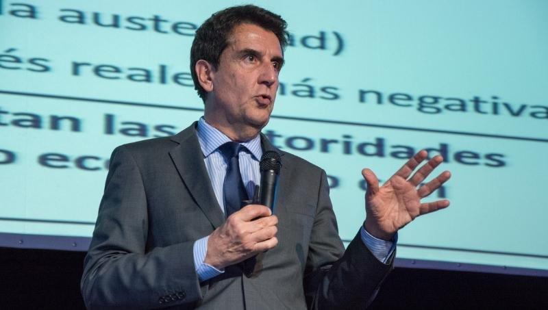 Alberto Fernández intenta hacer equilibrio entre el kirchnerismo y el PJ: lo esperan la gloria o la nada