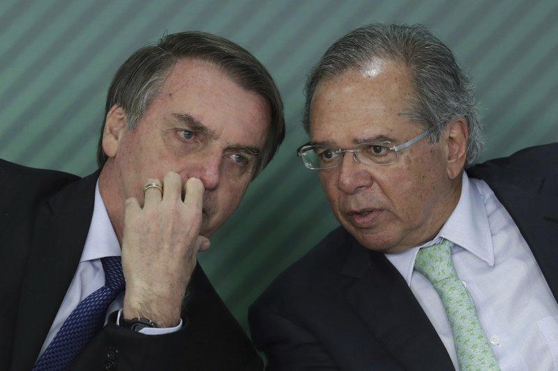 Por temor a un estallido, Brasil posterga reformas económicas