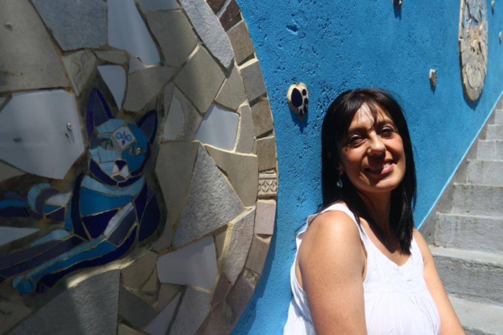 Los murales con mosaico ganan terreno con sus colores y formas en la Ciudad