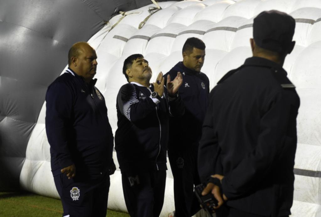 El Bosque, escenario desencantado para Maradona y sus dirigidos
