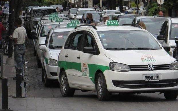Ante la crisis del sector, taxistas piden un incremento de las tarifas