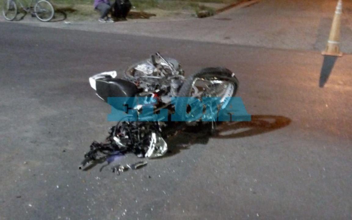 Tránsito fatal: murió el chico que el martes se accidentó con su moto en Los Hornos