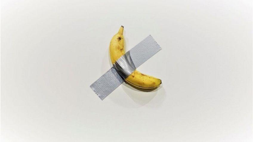 Pagan 120.000 dólares por una banana pegada con una cinta