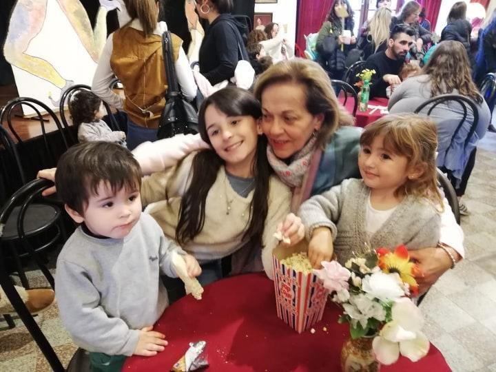 El tiempo con los nietos: un estímulo para los mayores, pero con límites
