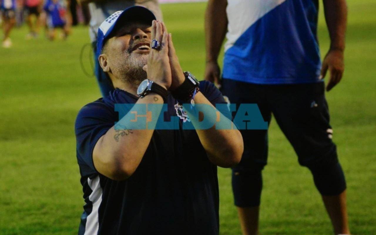 """""""Sigo solamente si gana Pellegrino"""", dijo Maradona y volvió a pegarle a Verón"""