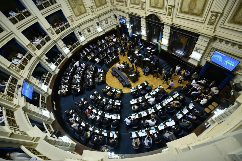 La Legislatura elige autoridades en un clima de fuerte tensión política
