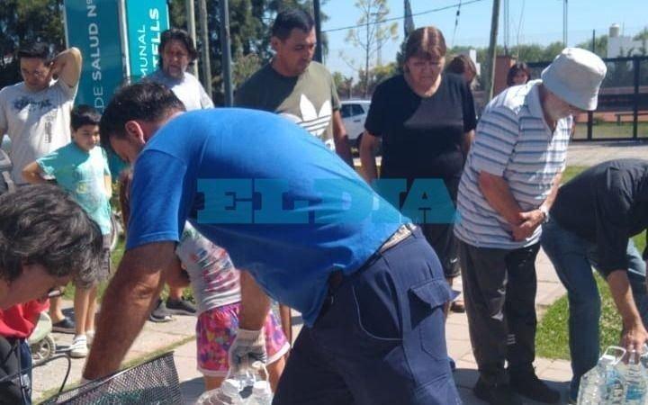 """Sigue el """"infierno"""" en Villa Castells: con el termómetro al rojo vivo crecen las quejas por falta de agua"""