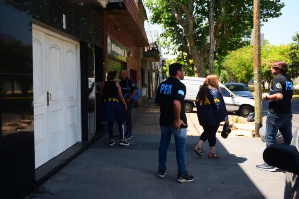 Allanamientos y un arresto en una causa por juego ilegal en la Región