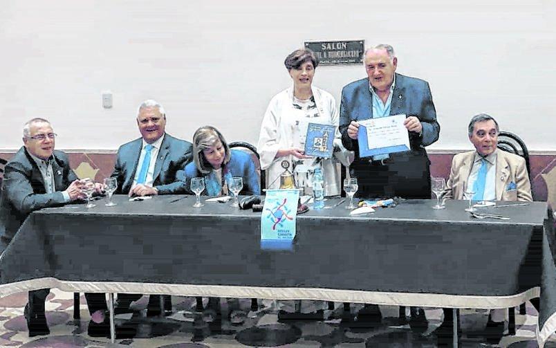 Charla por el aniversario de la Ciudad con rotarios de La Plata Norte