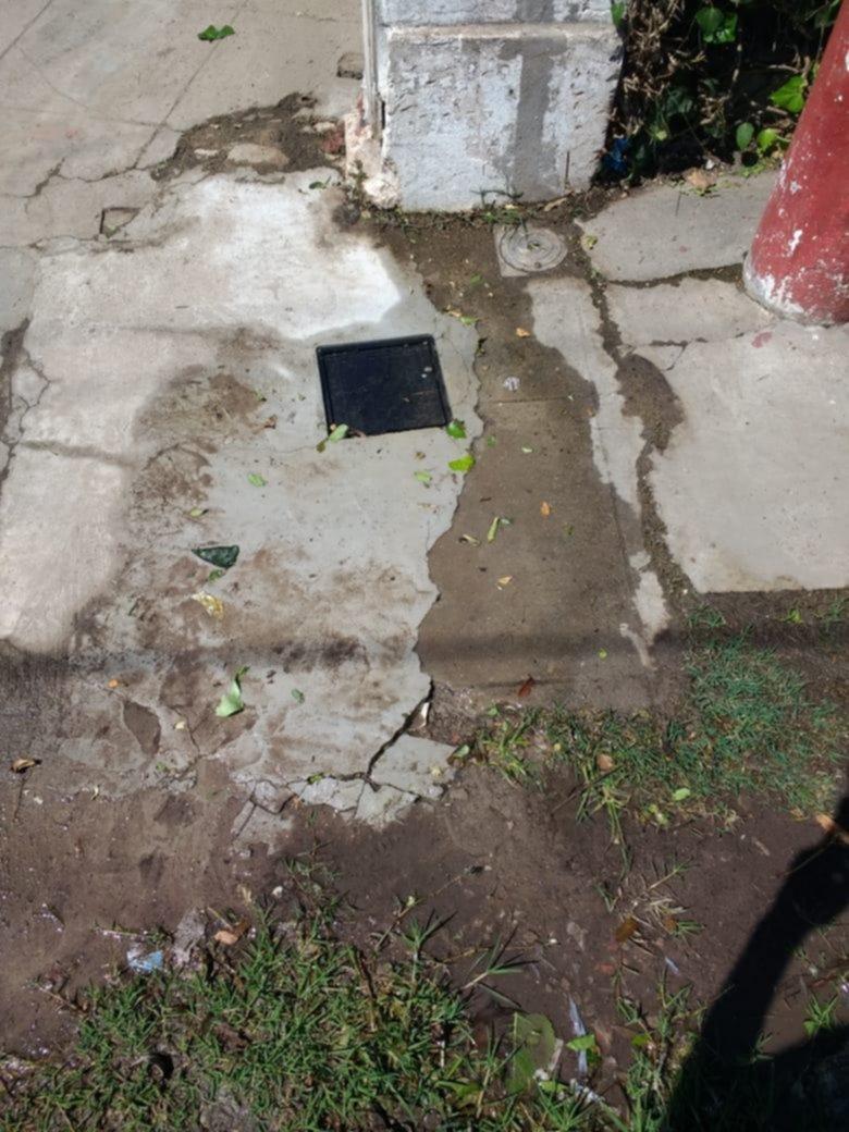 Van 15 días sin agua por una extensa pérdida en City Bell