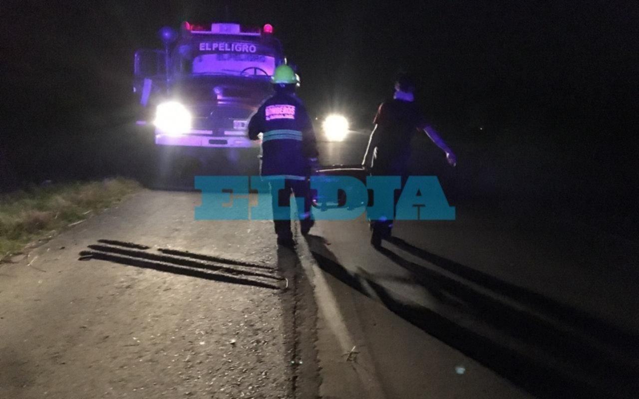 Al borde de la desgracia: tremendo vuelco con dos heridos en La Plata