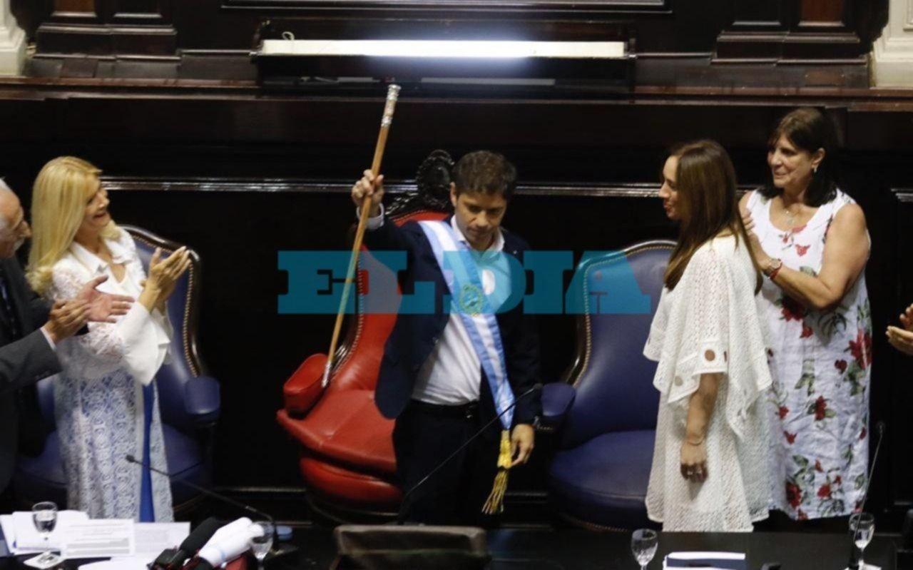 Con la presencia de Alberto y Cristina, Kicillof juró como Gobernador y caminó hacia la Casa de Gobierno