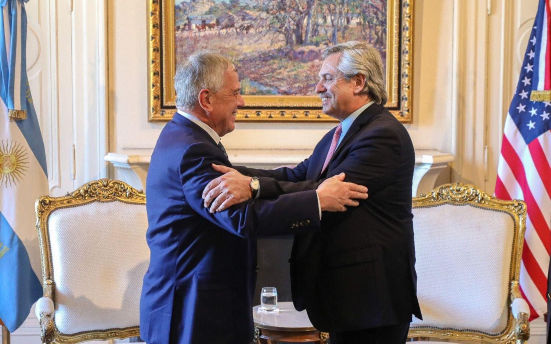 Tras el enojo de un enviado de Trump, Alberto recibió a una delegación del Gobierno de EE.UU