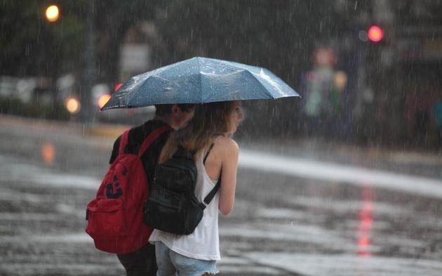 Alertan por tormentas fuertes con lluvias intensas y ráfagas para las próximas horas