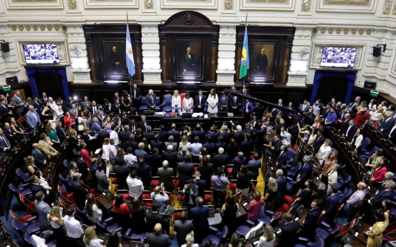Provincia: la Legislatura sancionó la ley de ministerios y mañana juran los ministros de Kicillof