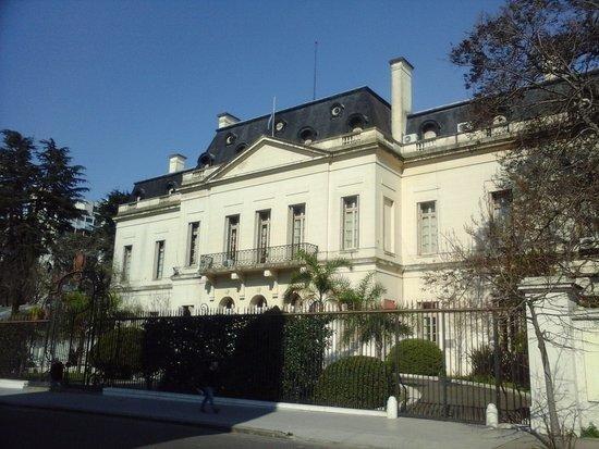 El Gobernador se instaló en la Residencia y se queda todo el verano
