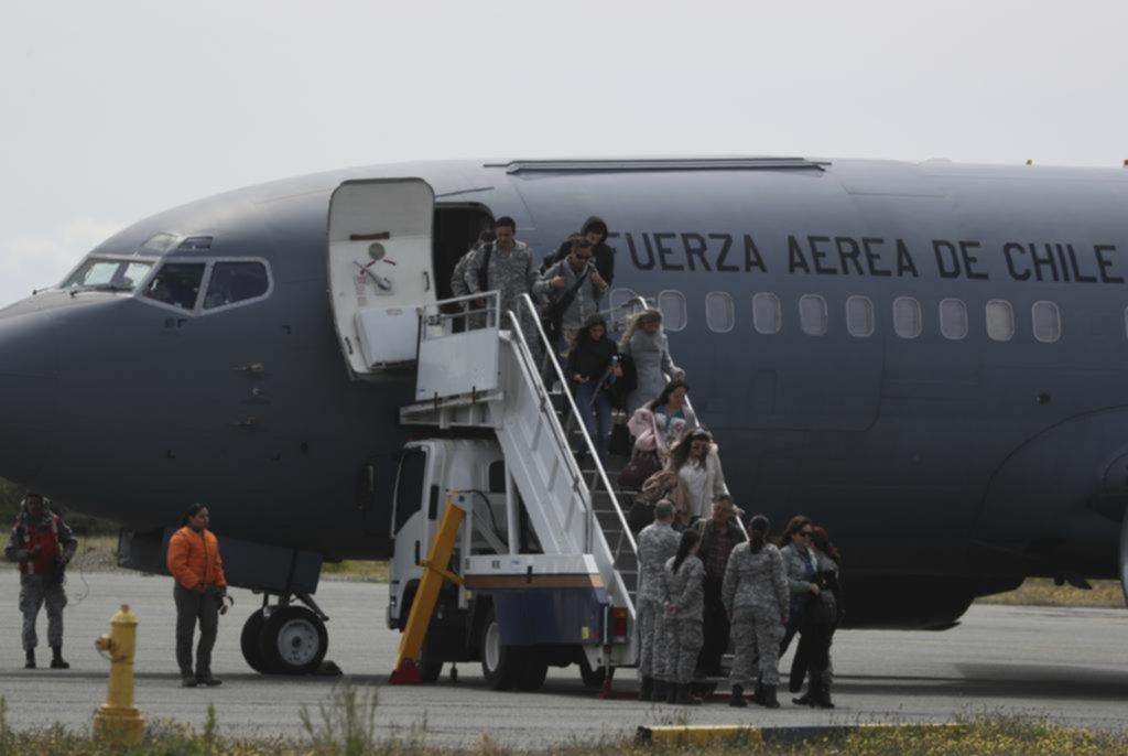 Llegaron los restos de víctimas del avión chileno accidentado
