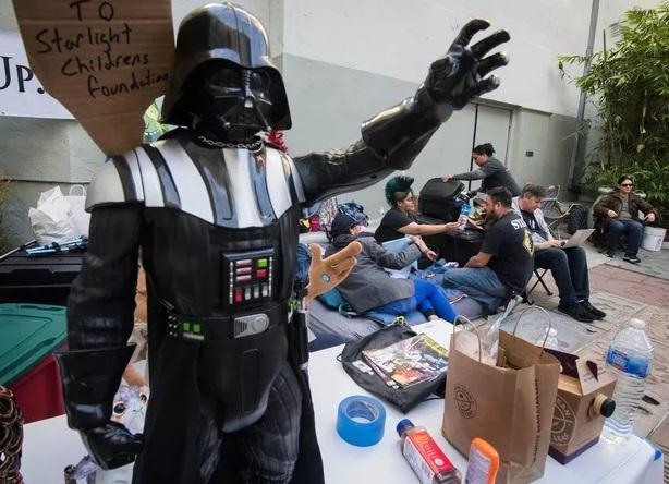 Locura por Star Wars: a una semana del estreno, fans acampan en cines