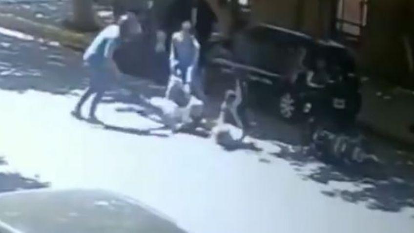 A los turistas ingleses los atacó una banda que se movía en dos autos y en una moto
