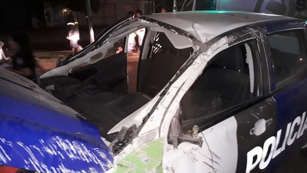 Manejaba borracho, chocó de atrás a un móvil y dos policías terminaron en el hospital