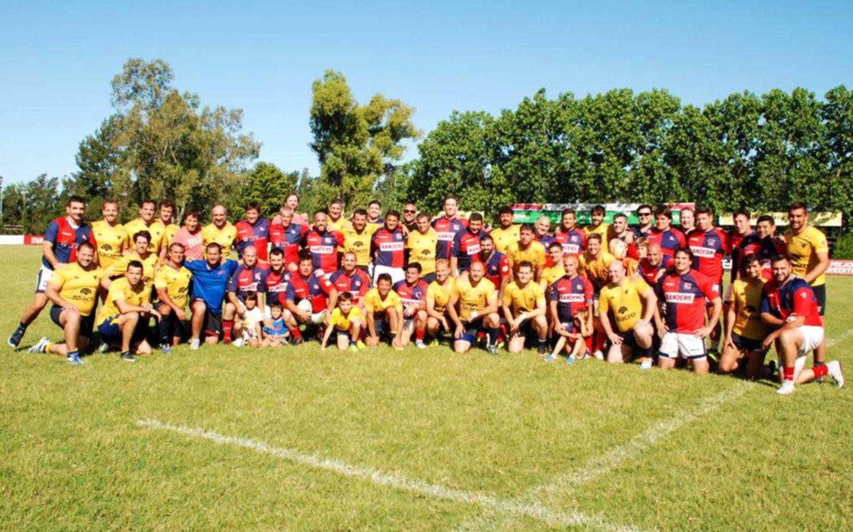 Copa Amistad entre La Plata  y San Luis  en una cancha de rugby