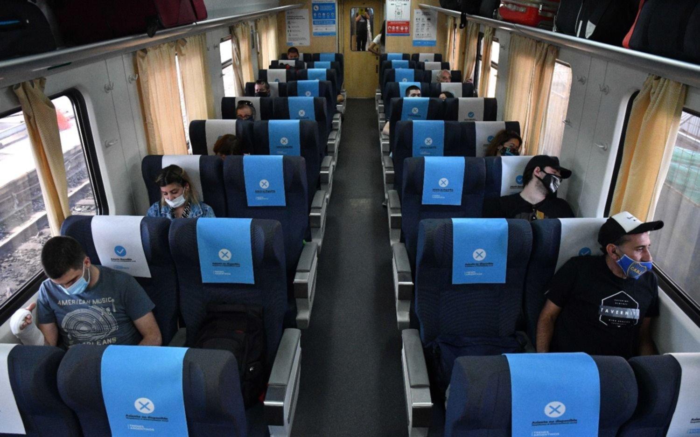 Partió el primer tren a Mar del Plata con fines turísticos desde el inicio de la pandemia