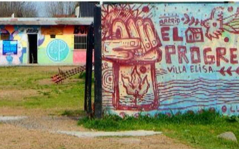Villa Elisa: banderazo en un club de fútbol infantil en reclamo de un predio