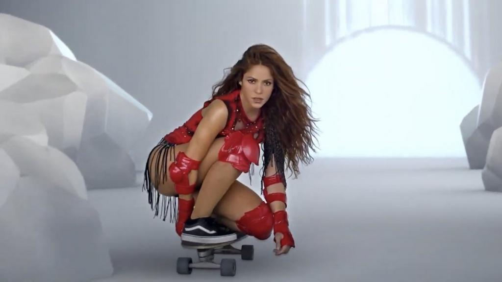 Furor latino: Shakira causa sensación como skater en un videoclip junto a Black Eyed Peas
