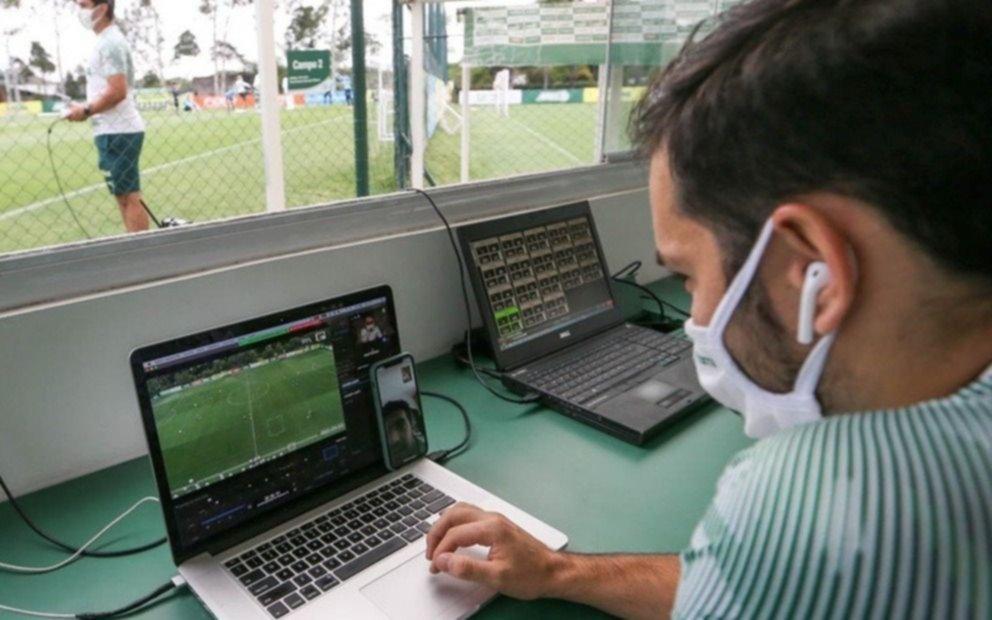 Director técnico con coronavirus dirigió la práctica usando un dron