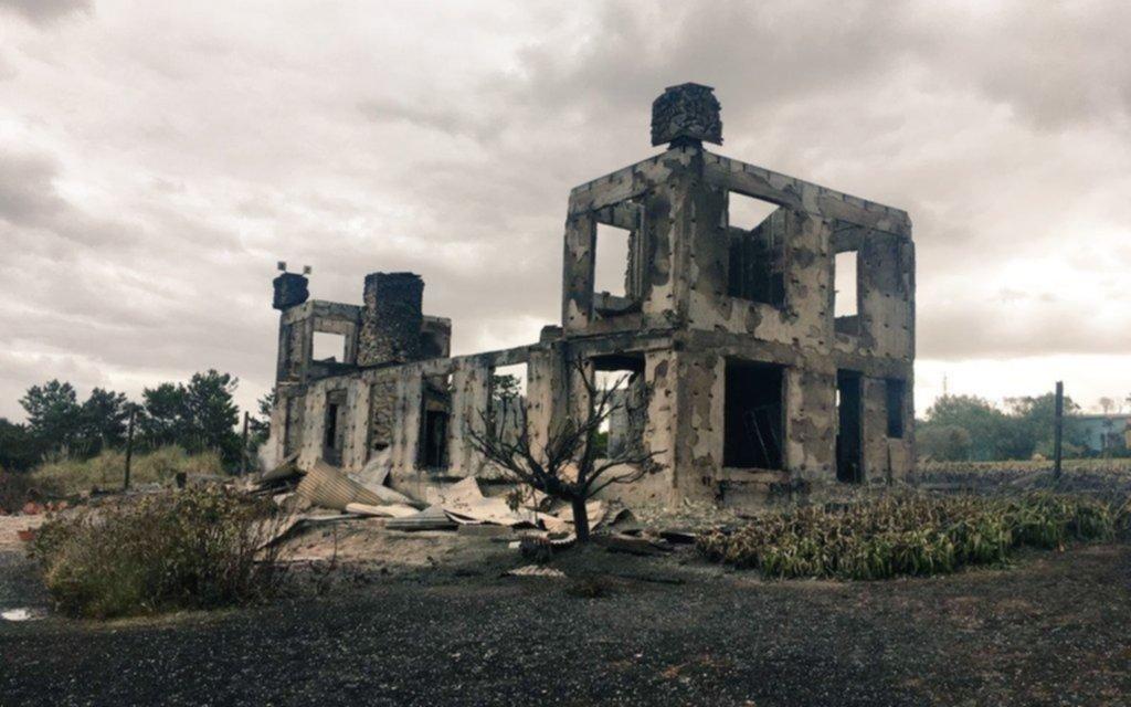 Incendio y destrucción total de la casa del empresario argentino Alan Faena en Punta del Este
