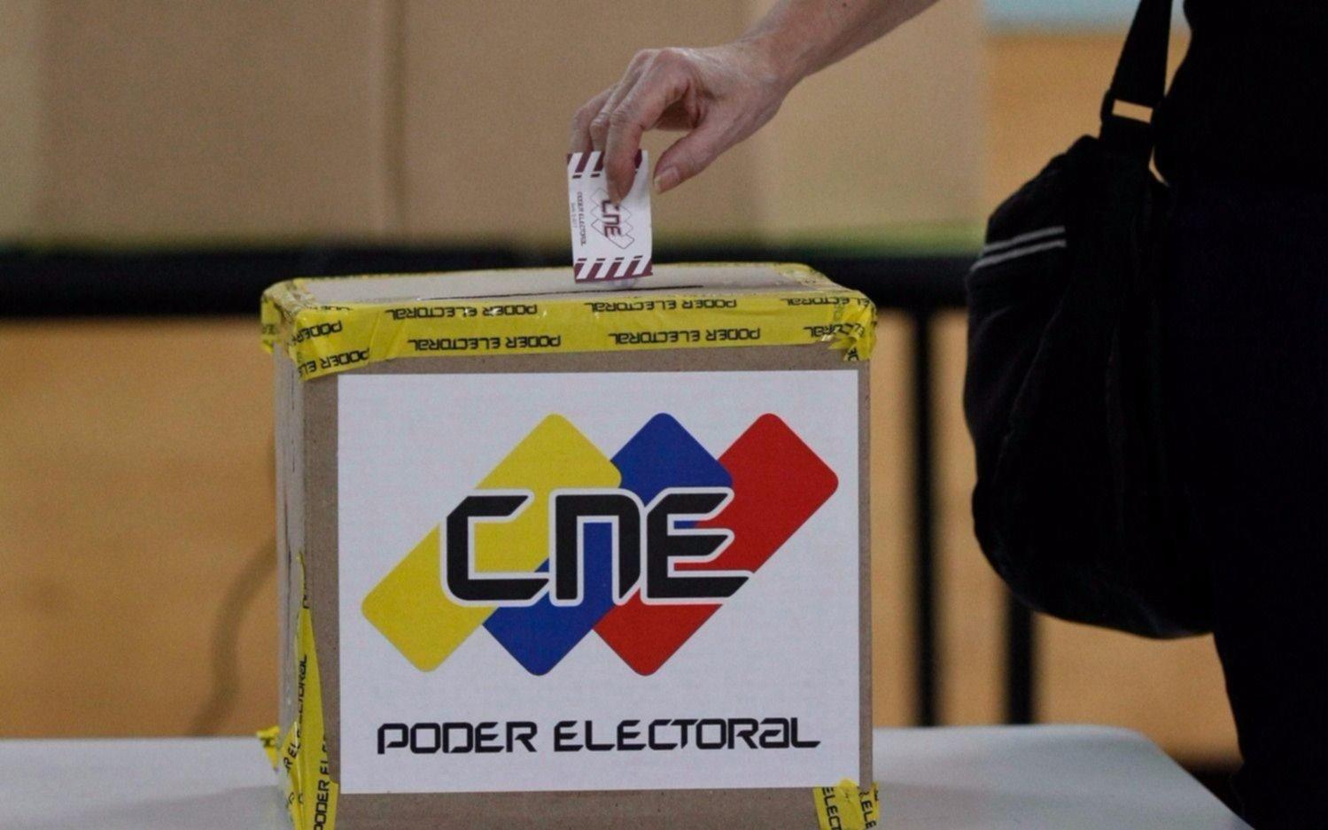 Mayores partidos de la oposición se bajan de elección presidencial — Venezuela